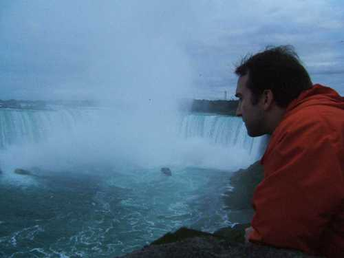 Derek_looking_at_the_falls